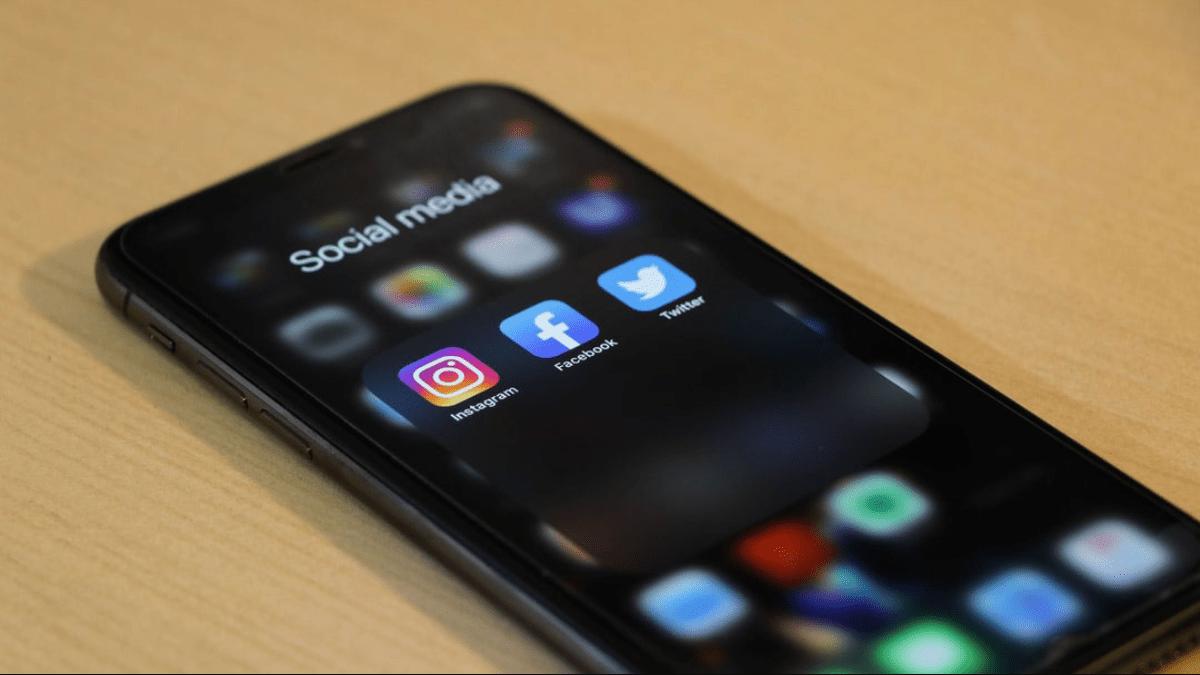 social media min